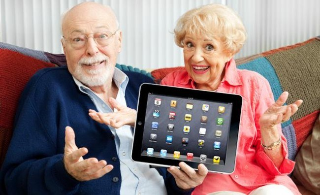 old-people-with-ipad-650x0.jpg